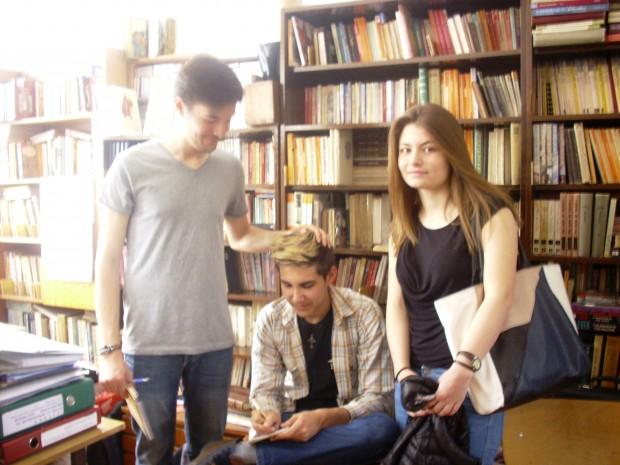 """Дебатът в ЕГ """"Пловдив"""", откъдето предлагат създаването на библиотечни съвети във всяко училище."""